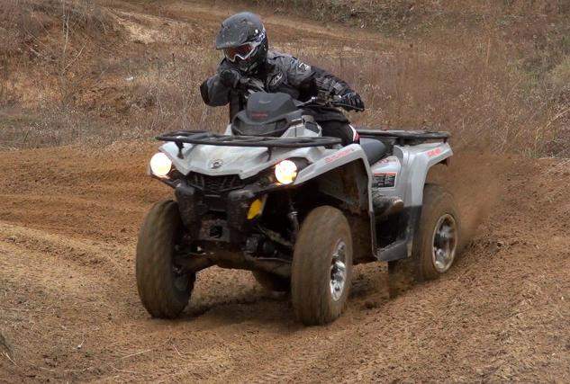 2015-Can-Am-Outlander-L-500-Action-10.jpg