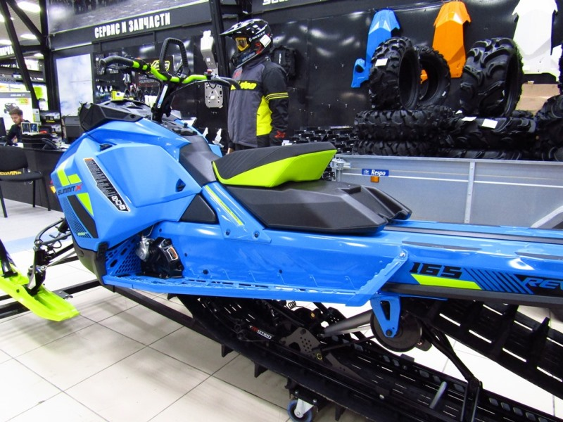 Ski Doo 2018 SUMMIT x 165 SHOT (17).JPG