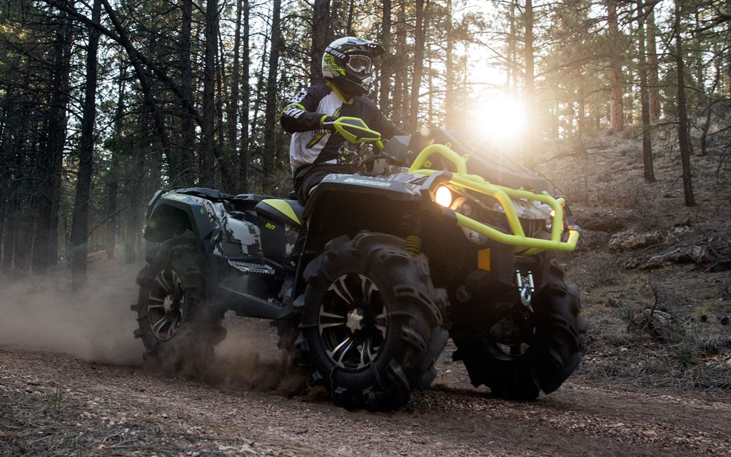 2015-Can-Am-Outlander-X-mr-Action-01.jpg