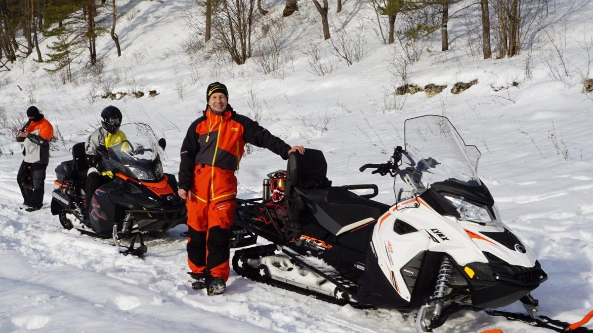 Туристические и утилитарные снегоходы